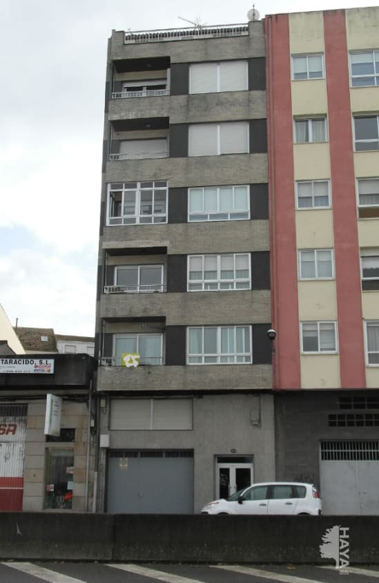 Piso en venta en Barrio El Cabo, Pontevedra, Pontevedra, Avenida Marques de Valterra, 111.000 €, 4 habitaciones, 1 baño, 154 m2