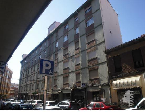 Piso en venta en Armunia, León, León, Calle Garcia Paredes, 101.900 €, 2 habitaciones, 1 baño, 118 m2