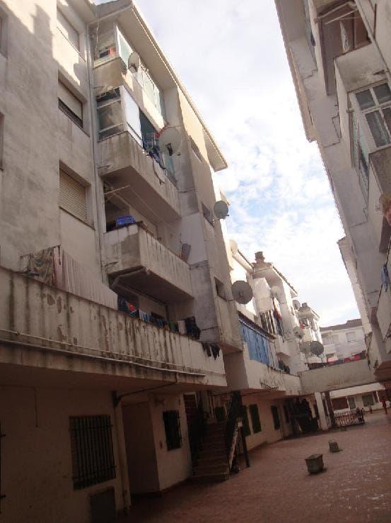 Piso en venta en Banyoles, Girona, Calle Barcelona, 30.400 €, 4 habitaciones, 1 baño, 100 m2
