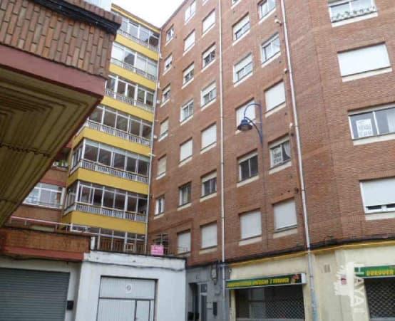 Piso en venta en Eras de Renueva, León, León, Calle San Fructuoso, 114.000 €, 3 habitaciones, 1 baño, 116 m2