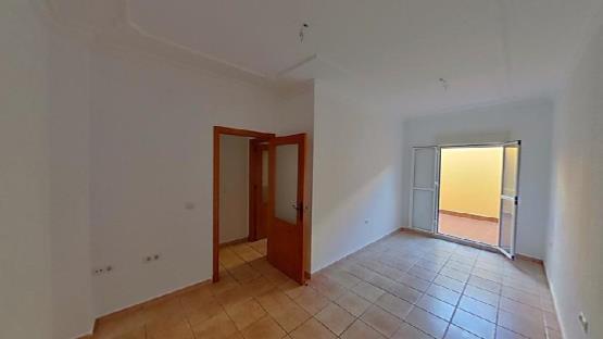 Piso en venta en Chiclana de la Frontera, Cádiz, Calle Carlos V, 99.000 €, 4 habitaciones, 2 baños, 119 m2