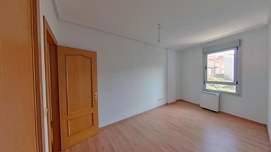 Piso en venta en Salas, Asturias, Avenida de la Flores, 89.700 €, 1 baño, 122 m2