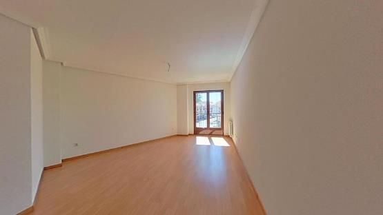 Piso en venta en Villares de la Reina, Salamanca, Calle Rosales, 116.200 €, 2 baños, 140 m2