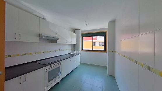 Piso en venta en Redondela, Pontevedra, Calle Rue Da Laxe, 107.000 €, 3 habitaciones, 2 baños, 81 m2