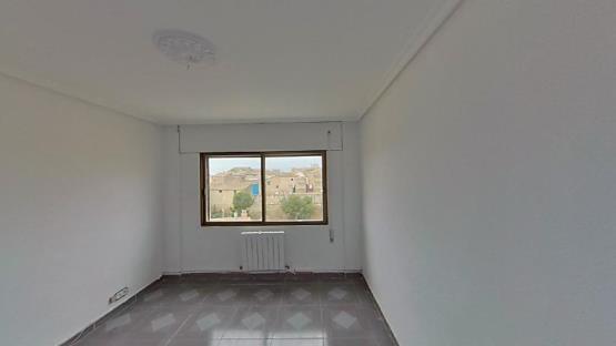 Piso en venta en Ejea de los Caballeros, Zaragoza, Calle Ardisa, 68.797 €, 4 habitaciones, 1 baño, 124 m2