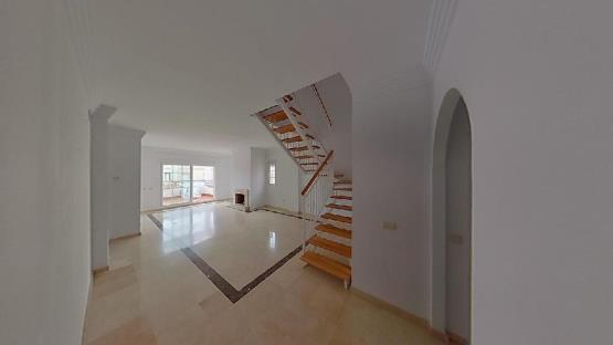 Piso en venta en Nueva Andalucía, Marbella, Málaga, Urbanización Andalucia la Nueva, 272.500 €, 1 baño, 137 m2