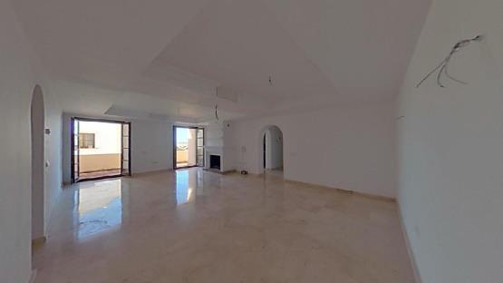 Piso en venta en La Herredia, Benahavís, Málaga, Calle El Castillo, 256.000 €, 2 habitaciones, 3 baños, 194 m2