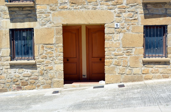 Casa en venta en Estella/lizarra, Navarra, Calle del Pozo, 213.143 €, 2 habitaciones, 1 baño, 268 m2