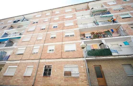 Piso en venta en Olot, Girona, Avenida Nicaragua, 42.400 €, 3 habitaciones, 1 baño, 55 m2
