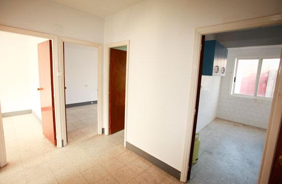 Piso en venta en Ribeira, A Coruña, Avenida Rosalia de Castro, 46.170 €, 3 habitaciones, 1 baño, 107 m2