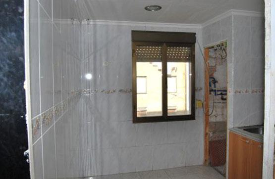 Piso en venta en Piso en Miranda de Ebro, Burgos, 29.000 €, 4 habitaciones, 1 baño, 91 m2