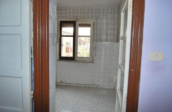 Piso en venta en Piso en Miranda de Ebro, Burgos, 28.000 €, 4 habitaciones, 1 baño, 82 m2
