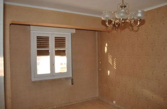 Piso en venta en Allende, Miranda de Ebro, Burgos, Calle Leopoldo Lewin, 54.000 €, 3 habitaciones, 1 baño, 76 m2