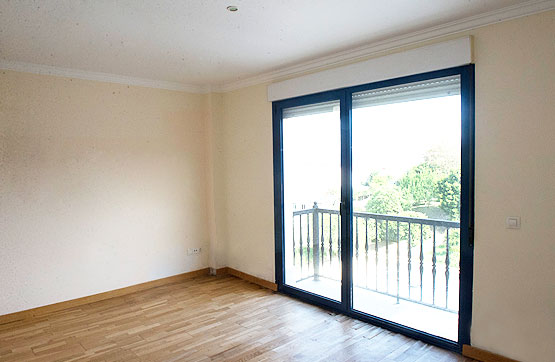 Piso en venta en Ribeira, A Coruña, Calle Barreiro, 64.230 €, 2 habitaciones, 2 baños, 87 m2