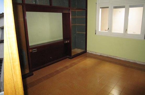 Casa en venta en Sant Cugat Sesgarrigues, Barcelona, Calle de Les Creus, 136.500 €, 4 habitaciones, 1 baño, 272 m2