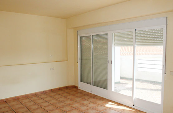 Piso en venta en Montijo, Badajoz, Calle Clavijo, 47.000 €, 3 habitaciones, 1 baño, 130 m2