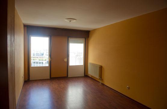 Piso en venta en Recimil, Ferrol, A Coruña, Avenida Esteiro, 75.900 €, 3 habitaciones, 2 baños, 66 m2