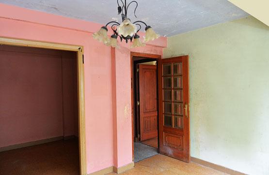 Piso en venta en Piso en Betanzos, A Coruña, 63.525 €, 3 habitaciones, 1 baño, 85 m2