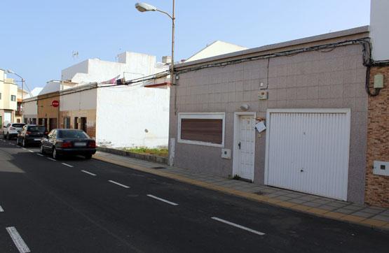 Piso en venta en Maneje, Arrecife, Las Palmas, Calle Monterrey, 197.800 €, 4 habitaciones, 1 baño, 196 m2