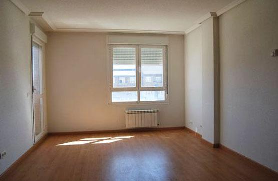 Piso en venta en Barrio Santa Clara, Benavente, Zamora, Calle Ermita de San Lorenzo, 62.550 €, 3 habitaciones, 2 baños, 91 m2