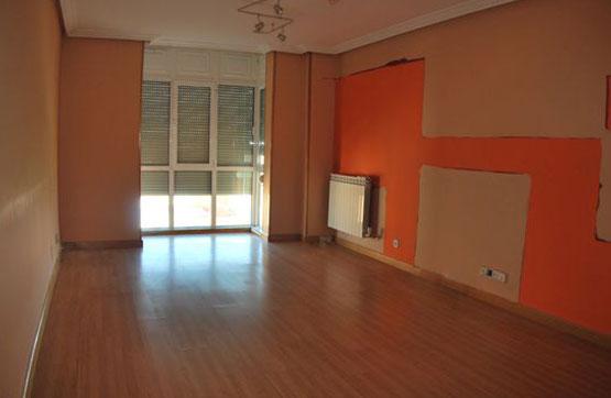 Piso en venta en Villasinta de Torío, Villaquilambre, León, Calle Goya, 72.240 €, 3 habitaciones, 2 baños, 113 m2