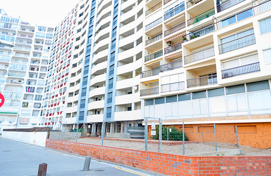 Oficina en venta en Castelló D`empúries, Girona, Pasaje Delta Muga, 120.500 €, 227 m2
