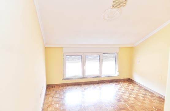 Piso en venta en Noia, A Coruña, Calle Santisima Trinidade, 76.095 €, 3 habitaciones, 1 baño, 113 m2
