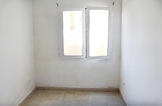 Piso en venta en Piso en Puerto del Rosario, Las Palmas, 82.800 €, 3 habitaciones, 2 baños, 96 m2