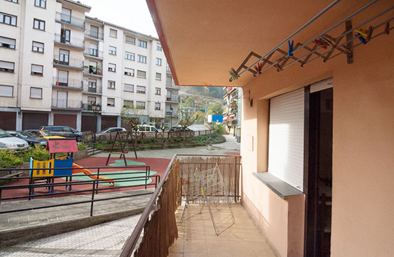 Piso en venta en Antzuola, Guipúzcoa, Barrio Errekalde, 70.000 €, 3 habitaciones, 1 baño, 90 m2