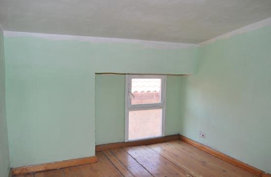 Piso en venta en Aquende, Miranda de Ebro, Burgos, Calle San Juan, 16.500 €, 2 habitaciones, 1 baño, 48 m2