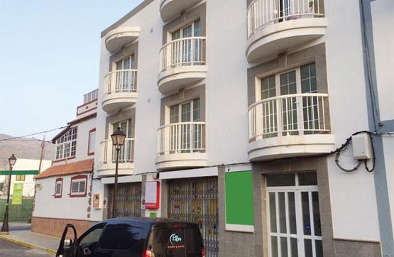 Piso en venta en Valle de Agaete, Agaete, Las Palmas, Calle Hermanos Castillo Olivares, 78.200 €, 2 habitaciones, 1 baño, 63 m2