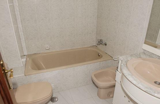 Piso en venta en Piso en A Guarda, Pontevedra, 47.800 €, 2 habitaciones, 1 baño, 60 m2