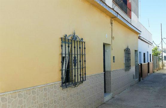 Casa en venta en Sevilla Este, Sevilla, Sevilla, Calle Alanis, 42.600 €, 3 habitaciones, 1 baño, 99 m2