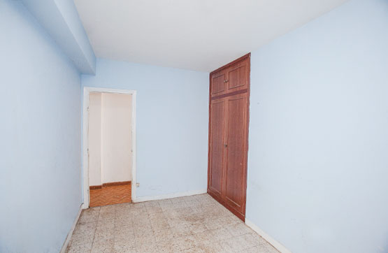 Piso en venta en Piso en Oleiros, A Coruña, 59.926 €, 3 habitaciones, 1 baño, 107 m2