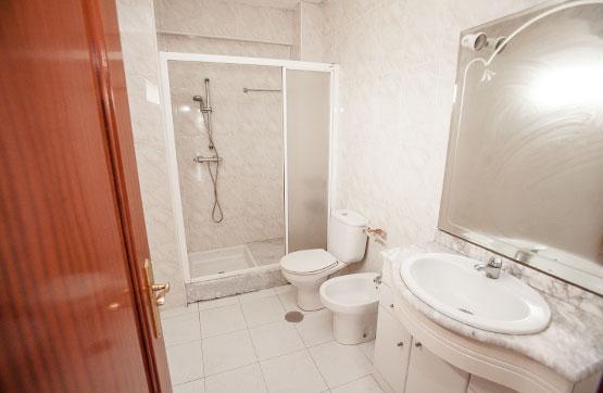Piso en venta en Piso en Oleiros, A Coruña, 85.500 €, 3 habitaciones, 1 baño, 109 m2