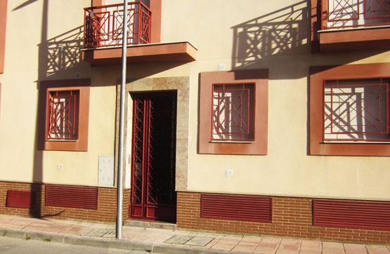 Piso en venta en Baeza, Jaén, Calle Mariana Pineda-residencial Flor de Albahaca 2 Bj A, 69.275 €, 2 habitaciones, 2 baños, 79 m2
