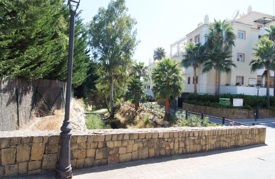 Piso en venta en Marbella, Málaga, Urbanización Andalucia la Nueva,marbella River Garden Golfsuite, 260.400 €, 2 habitaciones, 3 baños, 139 m2