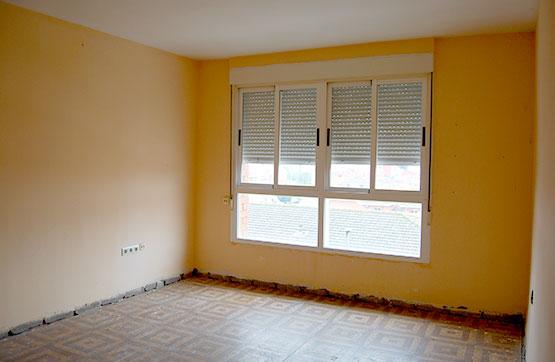 Piso en venta en Benavente, Zamora, Calle Pontevedra, 35.000 €, 3 habitaciones, 1 baño, 70 m2