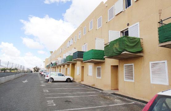 Piso en venta en Antigua, Las Palmas, Avenida Central, 73.820 €, 2 habitaciones, 2 baños, 72 m2