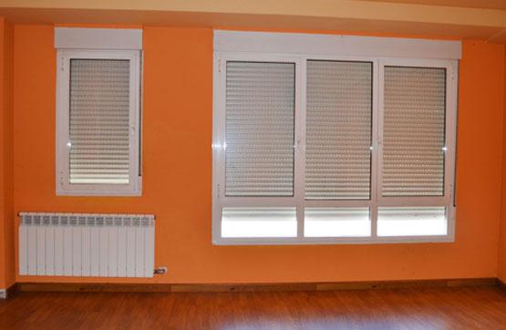 Casa en venta en Cabañas Raras, León, Avenida San Martin, 149.625 €, 3 habitaciones, 2 baños, 116 m2