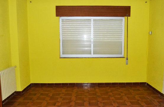 Casa en venta en La Vecilla, León, Calle Serruca, 58.140 €, 6 habitaciones, 2 baños, 186 m2
