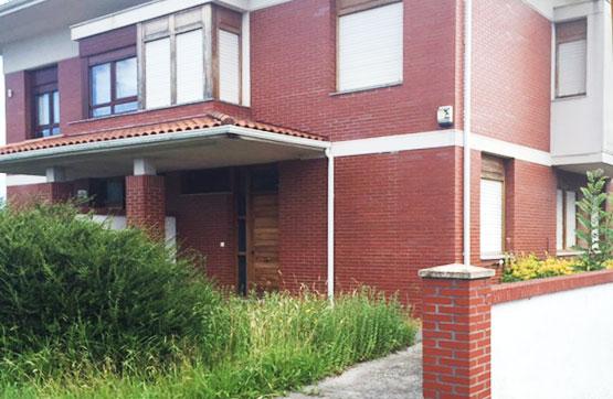 Casa en venta en Loiu, Vizcaya, Calle Larrauri, 496.125 €, 4 habitaciones, 3 baños, 387 m2