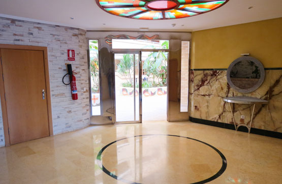 Piso en venta en Oropesa del Mar/orpesa, Castellón, Avenida Central Edif.costa Azahar Ii, 68.400 €, 2 habitaciones, 1 baño, 87 m2