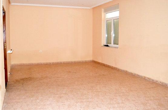 Casa en venta en Roperuelos del Páramo, León, Calle la Iglesia, 40.500 €, 4 habitaciones, 1 baño, 200 m2
