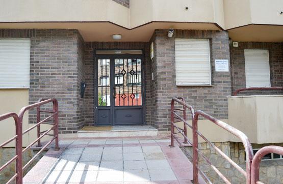Piso en venta en Llanos de Alba, la Robla, León, Plaza Polideportivo, 44.400 €, 3 habitaciones, 2 baños, 97 m2