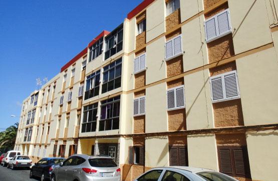 Piso en venta en Las Palmas de Gran Canaria, Las Palmas, Calle Hermanos Toledo Suarez, 70.000 €, 3 habitaciones, 1 baño, 72 m2
