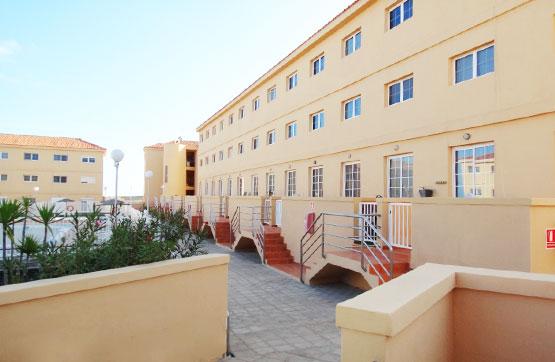 Casa en venta en Antigua, Las Palmas, Avenida Central Vivienda, 105.930 €, 3 habitaciones, 3 baños, 105 m2