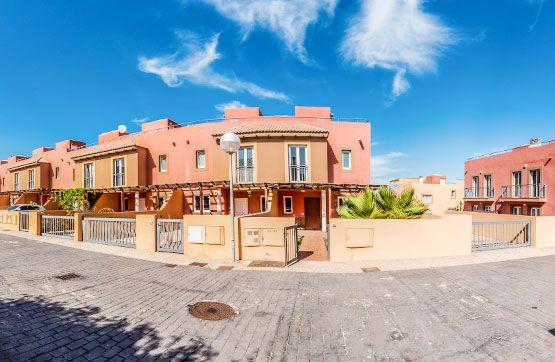 Casa en venta en Geafond, la Oliva, Las Palmas, Urbanización Mirador de la Dunas, 178.300 €, 3 habitaciones, 3 baños, 111 m2