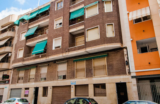 Piso en venta en Elche/elx, Alicante, Calle Capita Gaspar Ortiz, 60.000 €, 3 habitaciones, 2 baños, 125 m2