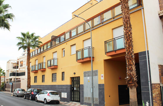 Piso en venta en Churriana de la Vega, Granada, Calle Habana, 58.380 €, 1 baño, 66 m2